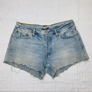 Levi's 501 Mom Jean High Waist Cut Off Shorts (28)